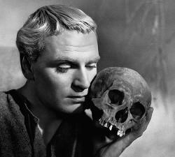 Монолог Гамлета, переписанный Шекспиром под угрозой сожжения (СИ)