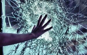 Разбитые стёкла (СИ)