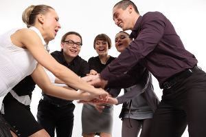 Взаимоотношения в коллективе, в семье, в обществе